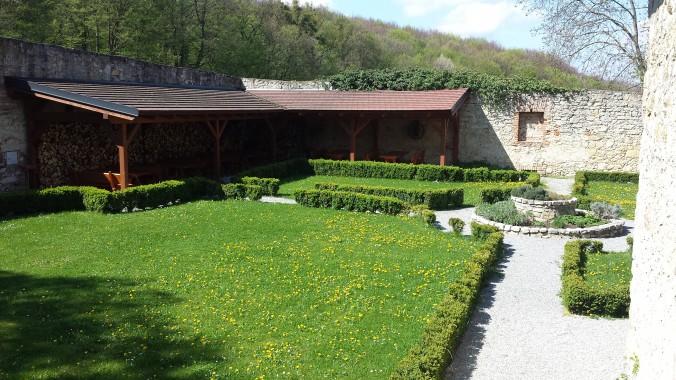 Klostergarten des ehem. Klosters St. Anna